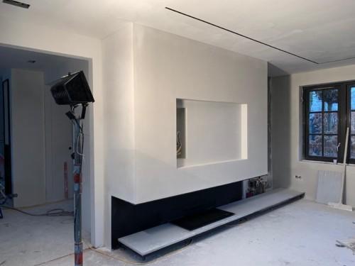 Schouw met inbouwruimte voor TV